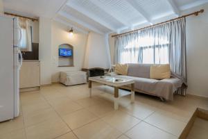 Ν4 - Triple Room - One bedroom